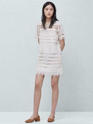 Платье молочного цвета с узором | 5535214