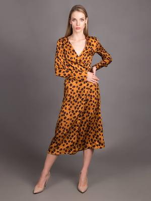 Платье горчичного цвета в принт | 5537502