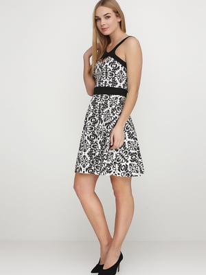 Сукня чорно-молочного кольору в принт | 5538375
