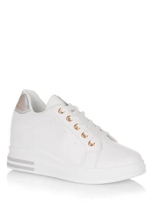 Снікерси біло-сріблястого кольору | 5539207