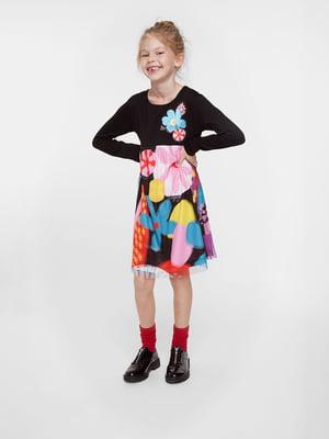 Платье черно-разноцветное в цветочный принт | 5540232