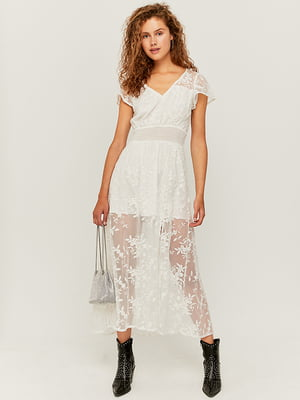 Платье белое с цветочным узором | 5542052