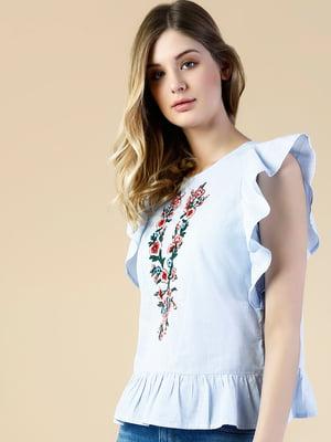 Блуза голубая с цветочной вышивкой | 5577113