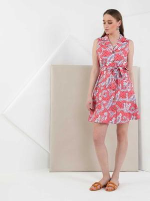 Платье кораллового цвета в принт   5577476