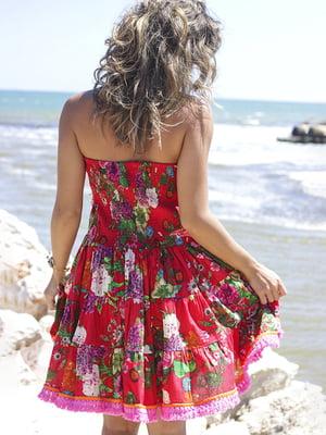 Платье красного цвета в цветочный принт | 5589249