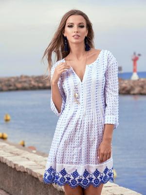 Туника пляжная бело-голубого цвета с орнаментом | 5601209