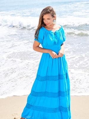 Платье пляжное голубого цвета   5601316
