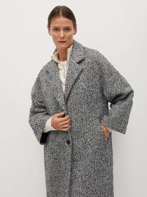 Пальто черно-белое с узором | 5604425