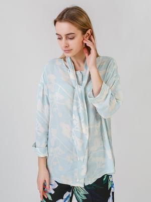 Рубашка голубого цвета с принтом | 5609403