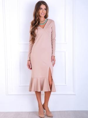 Платье песочного цвета   5626178