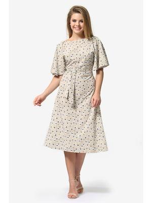 Платье песочного цвета с цветочным принтом | 5627019