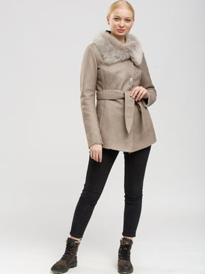 Куртка-дублянка бежевого кольору   5629930