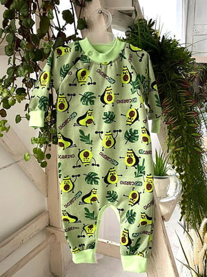 Человечек-реглан зеленый в принт | 5641870