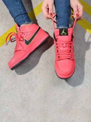 Кросівки коралового кольору | 5642719
