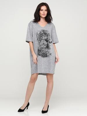 Платье серое с принтом | 5641728