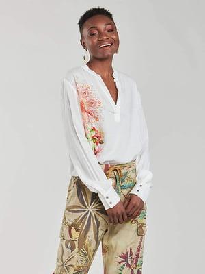 Блуза біла в квітковий принт | 5635971