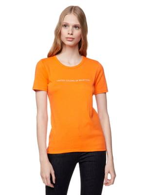 Футболка морковного цвета в принт | 5636117