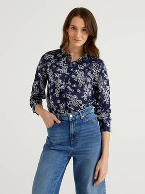 Рубашка синяя в цветочный принт | 5636158