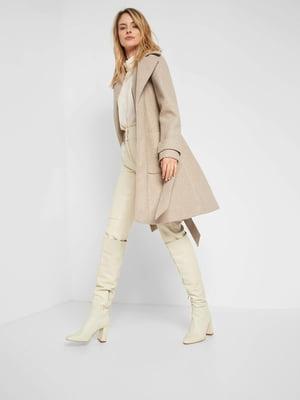 Пальто бежевого кольору   5647312