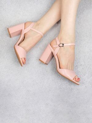 Босоножки розового цвета   5657104