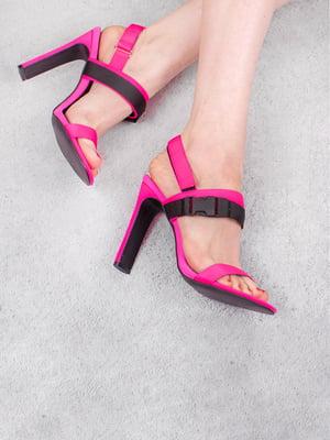 Босоніжки рожевого кольору | 5657175