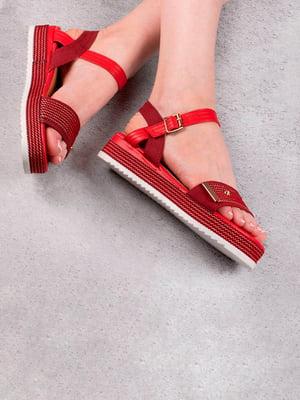 Сандалии красного цвета   5657178