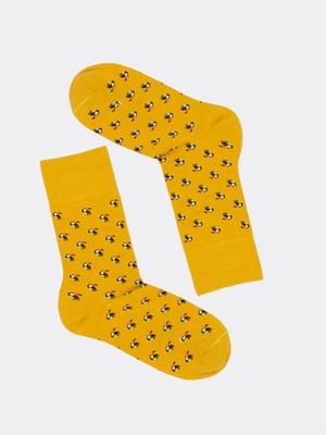 Носки горчичного цвета в принт | 5664808