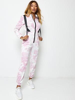 Комбинезон бело-розового цвета в размытый принт | 5671501