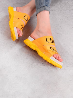 Шлепанцы желтые с принтом | 5675965