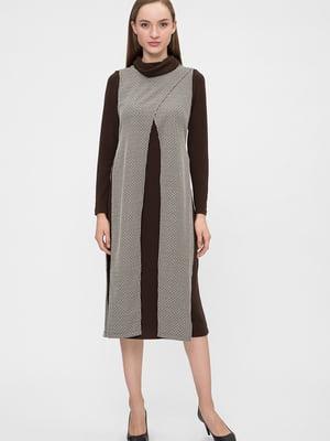 Платье коричневого цвета с узором   5676379