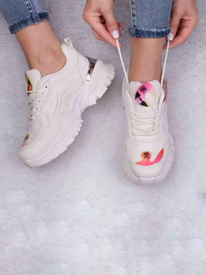 Кросівки бежевого кольору | 5644573