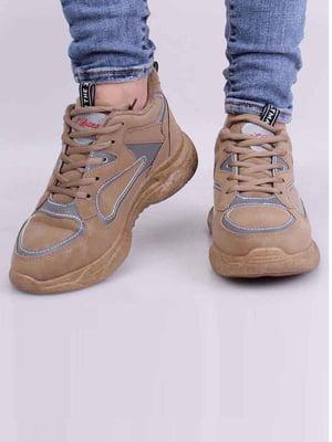 Кросівки бежевого кольору | 5645448
