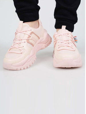 Кросівки рожевого кольору | 5645602