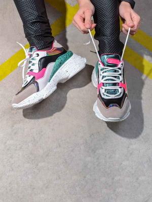 Кроссовки комбинированного цвета | 5642680