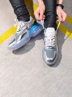 Кроссовки серебристого цвета | 5642681