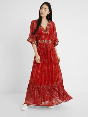 Платье красного цвета с орнаментом   5686288