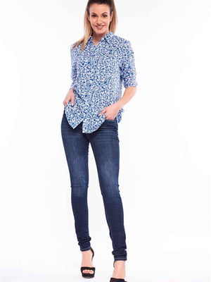 Сорочка блакитного кольору з квітковим принтом   5687035