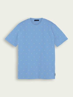Футболка блакитного кольору з квітковим принтом | 5687497