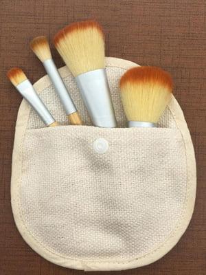 Набор бамбуковых кистей для макияжа в чехле (4 шт) | 5690833