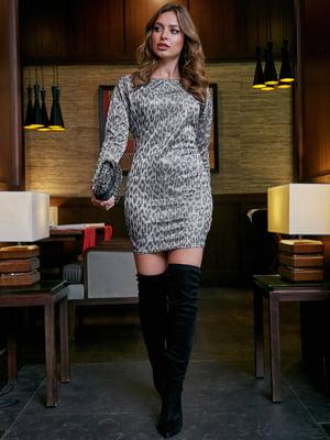 Сукня сріблястого кольору в принт | 5688380