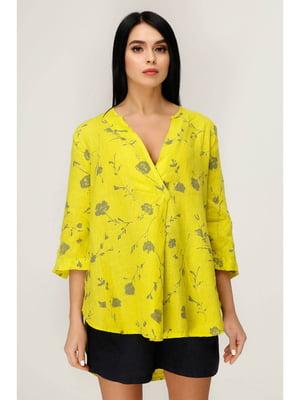 Блуза желто- с цветочным принтом | 5699701