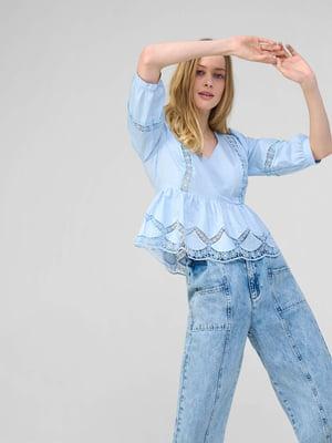 Блуза голубого цвета с узором   5707852