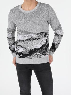 Джемпер серый с принтом | 5709632
