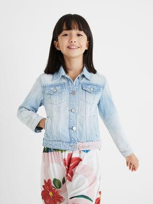 Куртка джинсова блакитного кольору з малюнком | 5710322