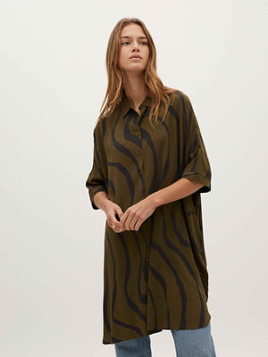 Рубашка-туника цвета хаки в принт | 5710497