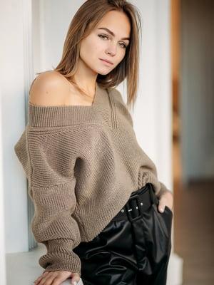Пуловер бежевого кольору | 5713525