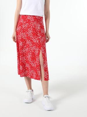 Спідниця червоного кольору з квітковим принтом | 5709214
