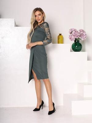 Сукня зеленого кольору з візерунком   5719072