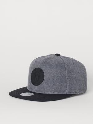 Бейсболка сіро-чорна з нашивкою-логотипом | 5722502