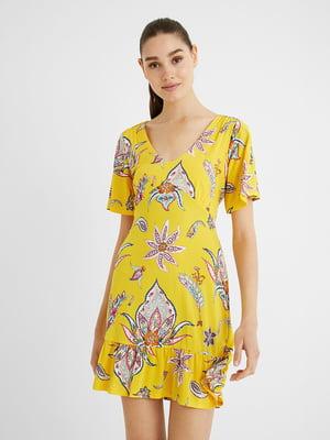 Платье желтое в принт | 5635965